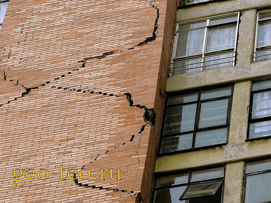 деформация здания